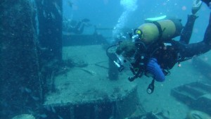 Marike hovering over the wreck